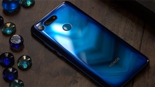 Recenze Honor View 20: Tohle se fakt povedlo!